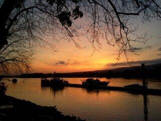 Sonnenuntergang am Rheinstrand